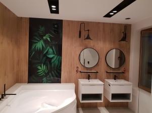 łazienka przy sypalni w trakcie